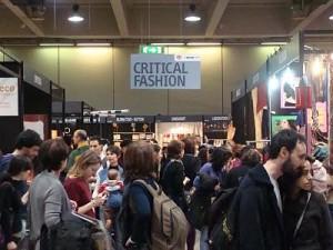 fairs-critical-fashion-fa-la-cosa-giusta-mila-L-mlemAi